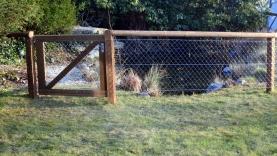 Zaun mit Holzpfosten und DG-BIAUS-HSB-MS-120027200003-140310-02