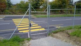 Personentür mit Stacheldrahtschutz-BIAUS-HSB-MK-100016000000-100101-02